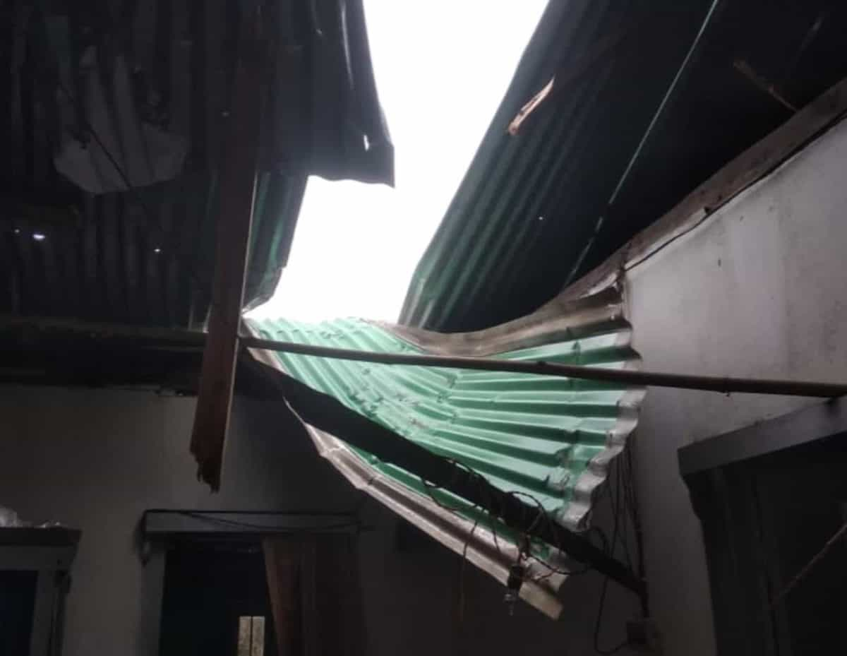 Strong storm damages roof